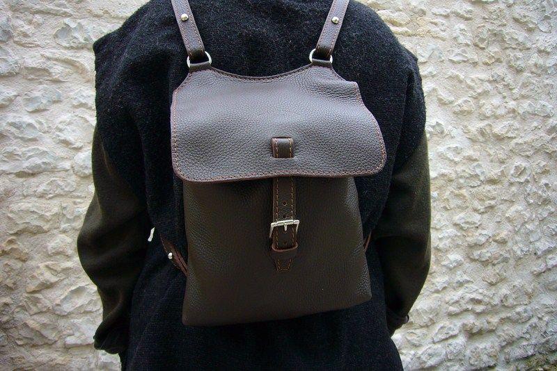 sac dos cuir femme natchez acajou marque charles charlus le sac cuir femme live. Black Bedroom Furniture Sets. Home Design Ideas