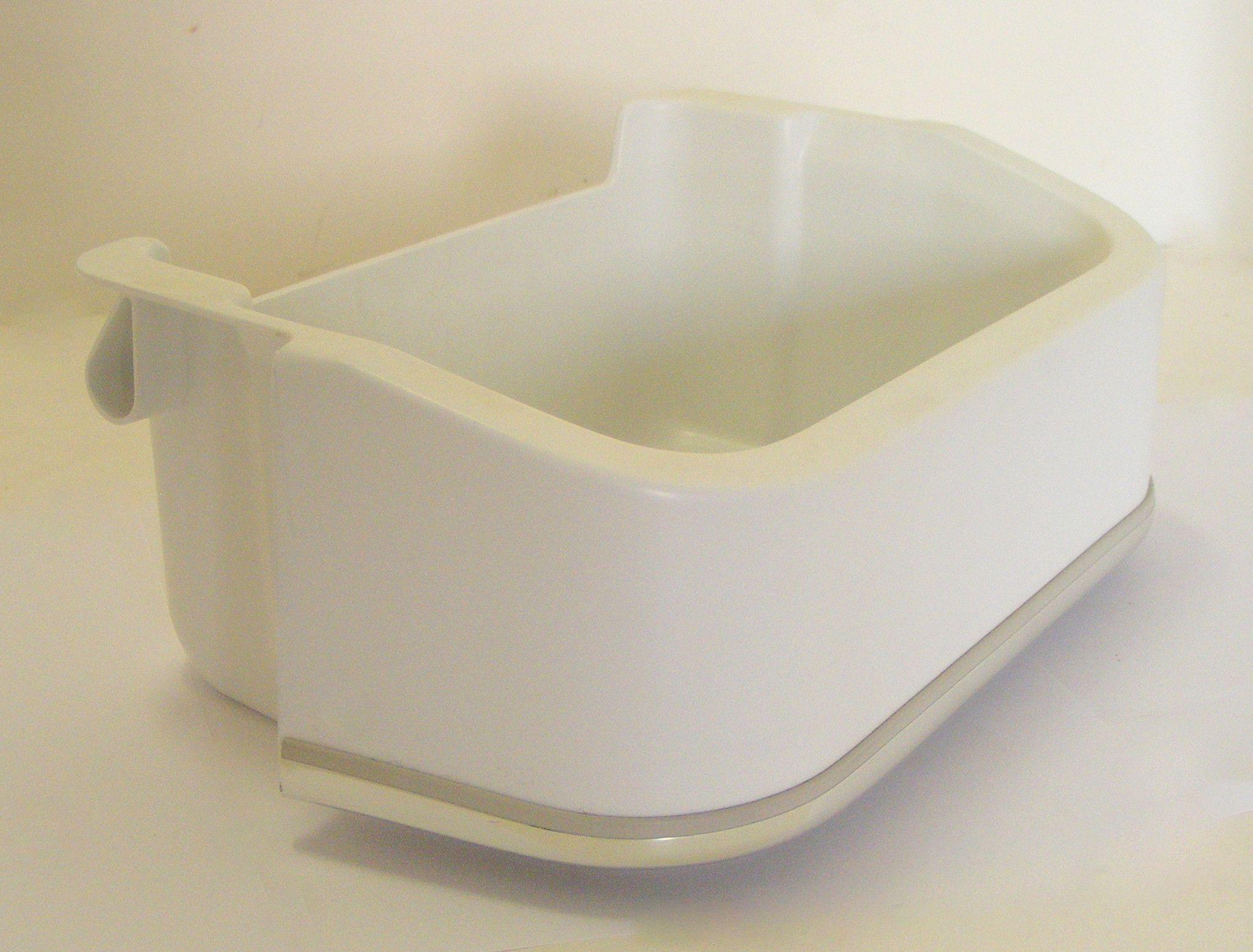 Frigidaire refrigerator small door bin 215441800 218592324 used