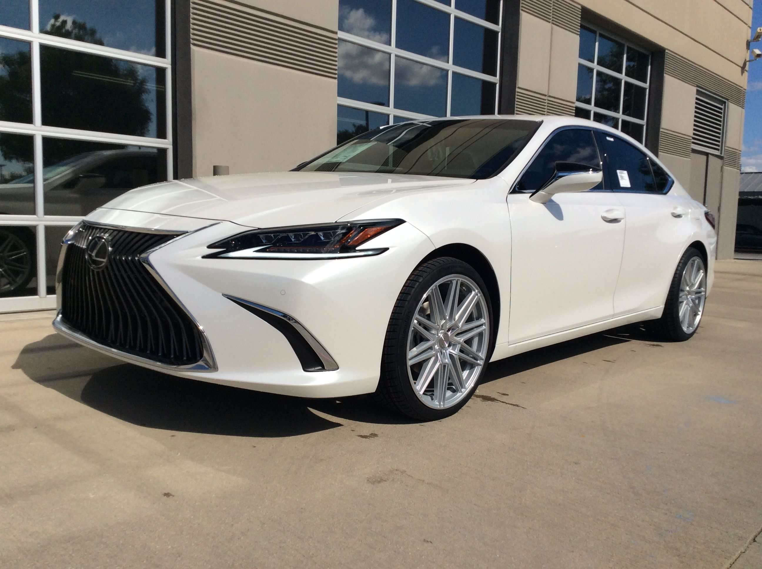 2019 Lexus Es350 With The New Vossen Cv10 Silver Polished Wheels And Continental Tires Lexus Es350 Lexuses350 Vossen Wheels Lexus 350 White Lexus Lexus