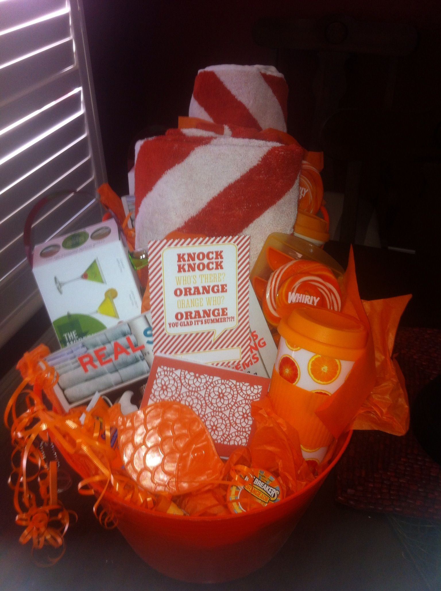 End of the year teacher gift: Knock Knock who's there? Orange you glad it's summer!