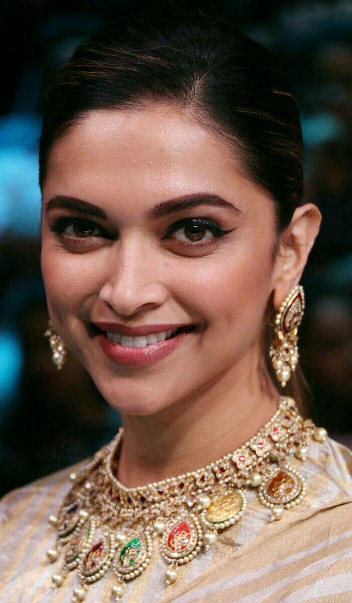 Deepika padukone | Deepika padukone style, Deepika ...