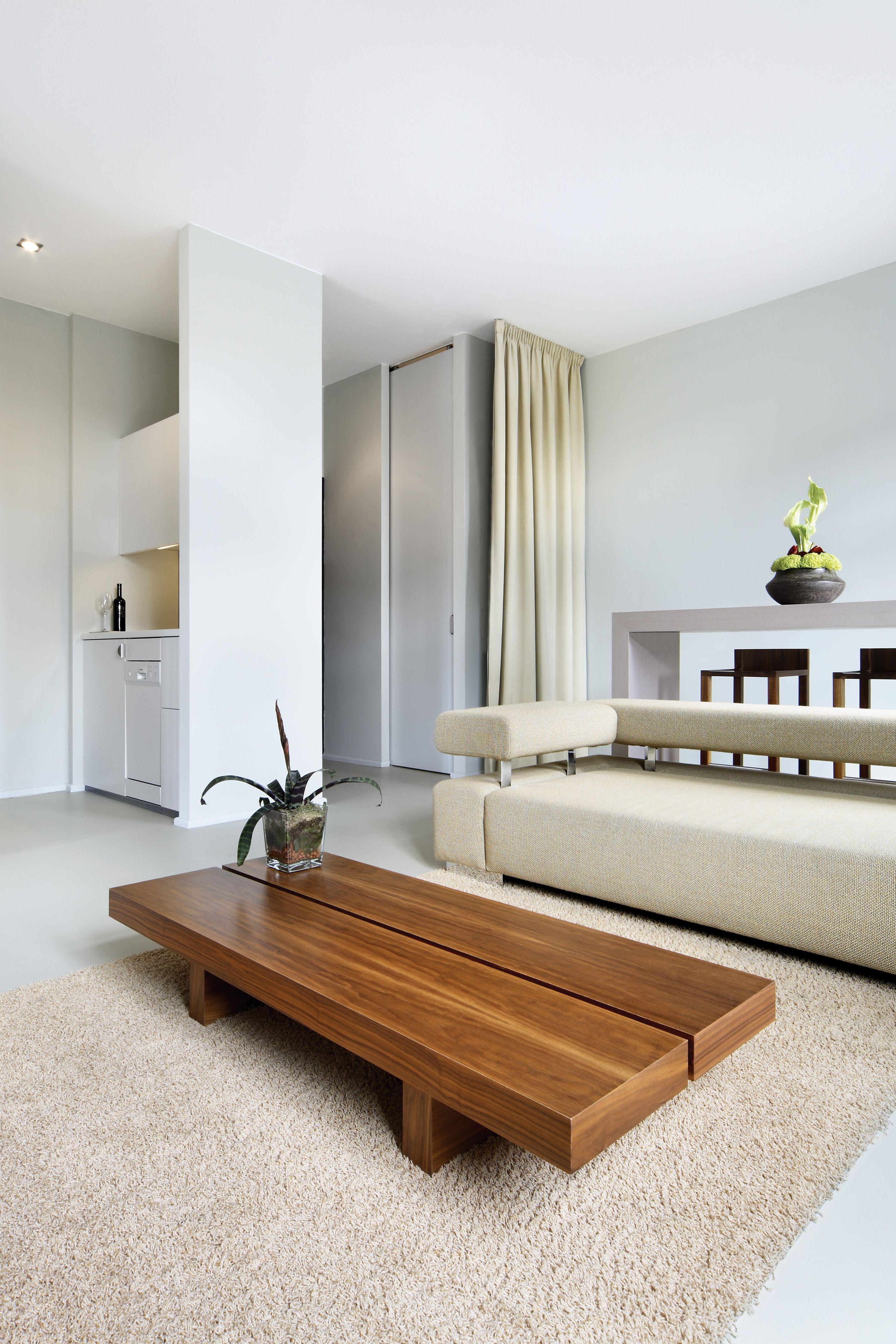 Minimalist Hotel Room: Minimalist Interior Design HOTEL: Lux 11, Berlin. DESIGN:1