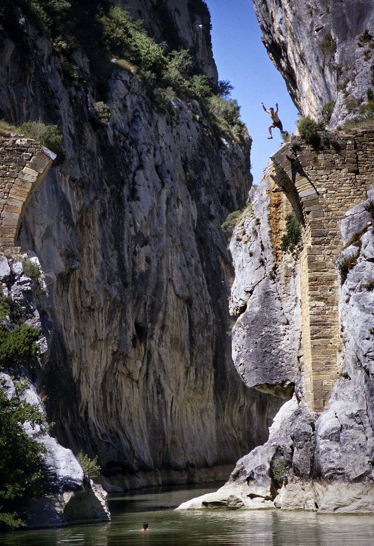 Foz De Lumbier Puente Del Diablo Navarra Spain Lugares De España Lugares Preciosos Paisajes De España