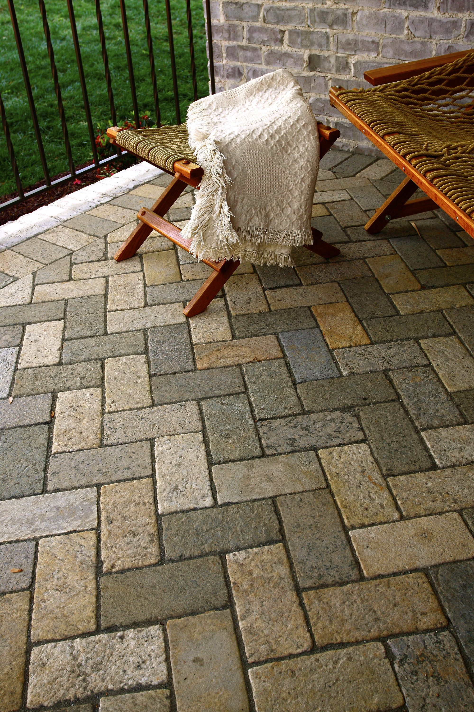 Brick Paver Patio With Fire Pit Cost: Brick Paver Patio Herringbone 4x8 Herringbone Patio