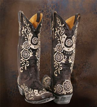 Cute funky boots!!
