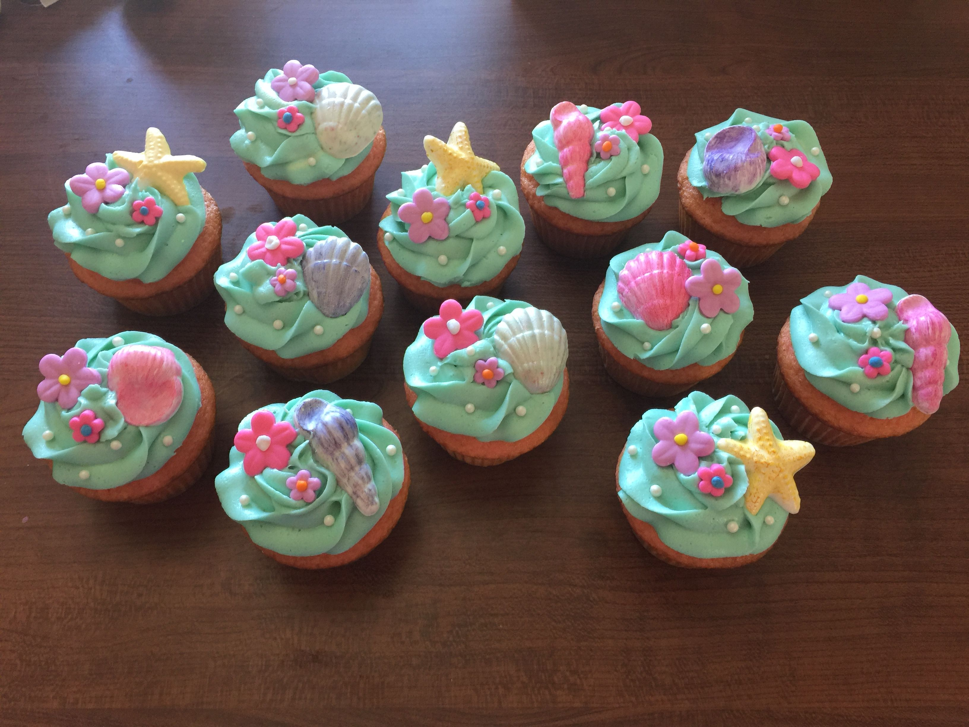 Moana Cupcakes Or Beach Theme Cupcakes Chocolate Shells