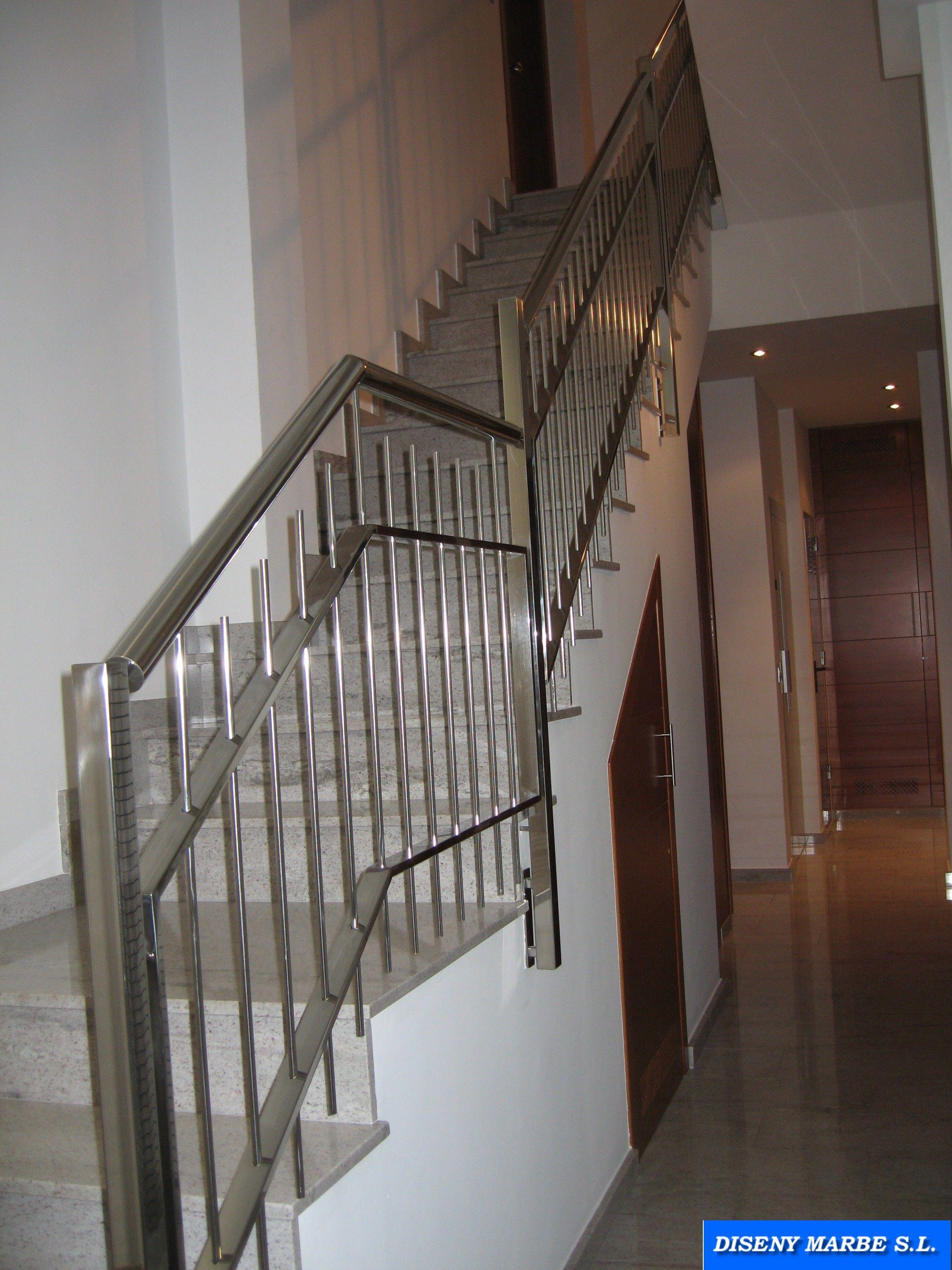 Barandilla escalera de acero inoxidable dise o barrotes en vertical barandas de escaleras - Barandilla para escalera ...