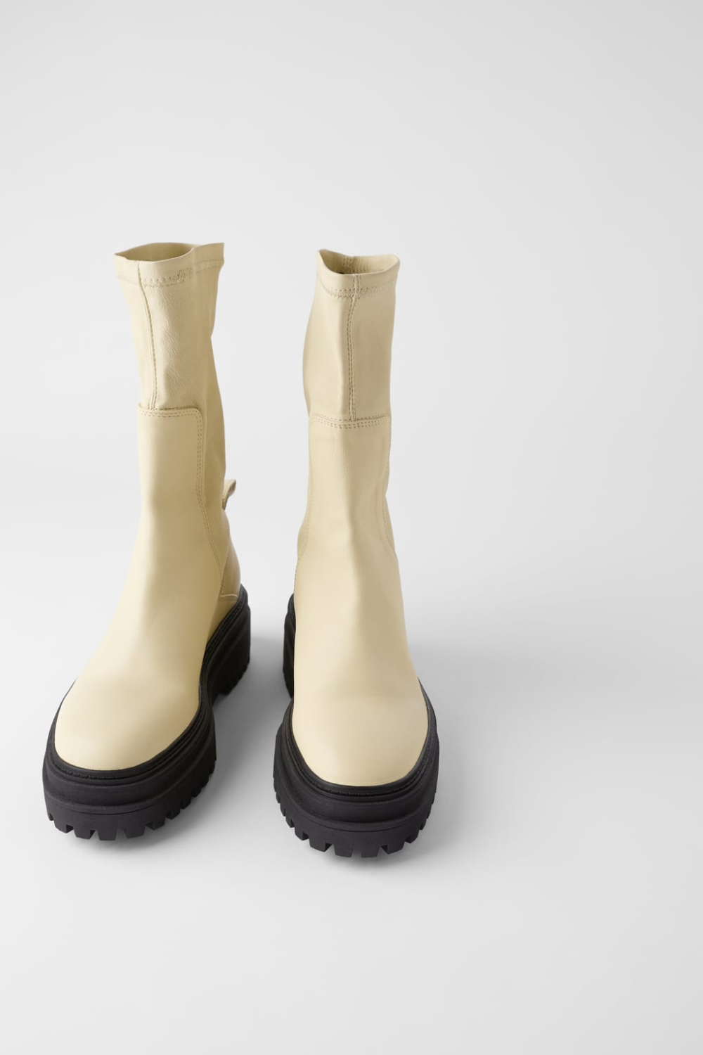 FLAT SOFT LEATHER ANKLE BOOTS | ZARA