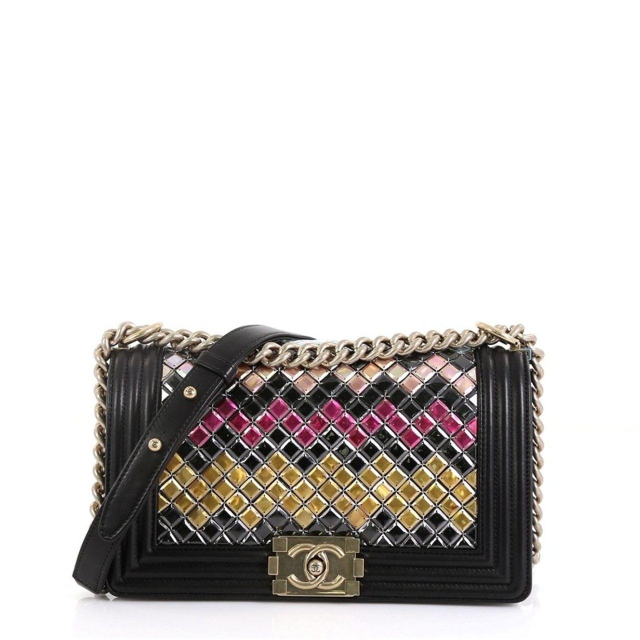 est retail 8,500 LEPRIX 4,225 Black leather handbags