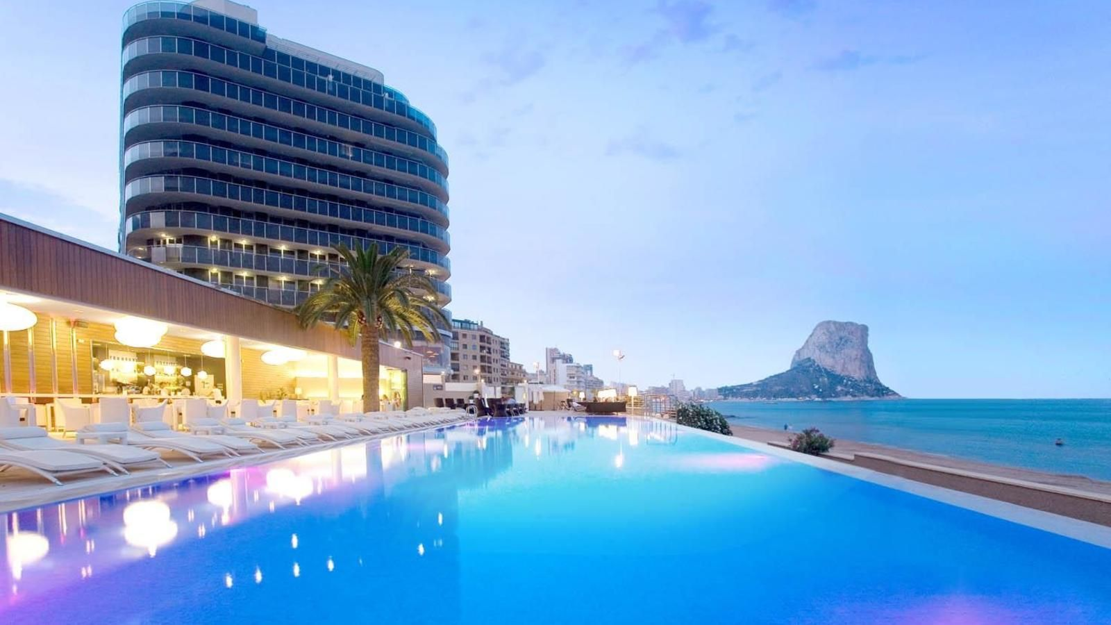 Marbella barcelona calpe los 10 beach clubs de for Dekor wohnungen