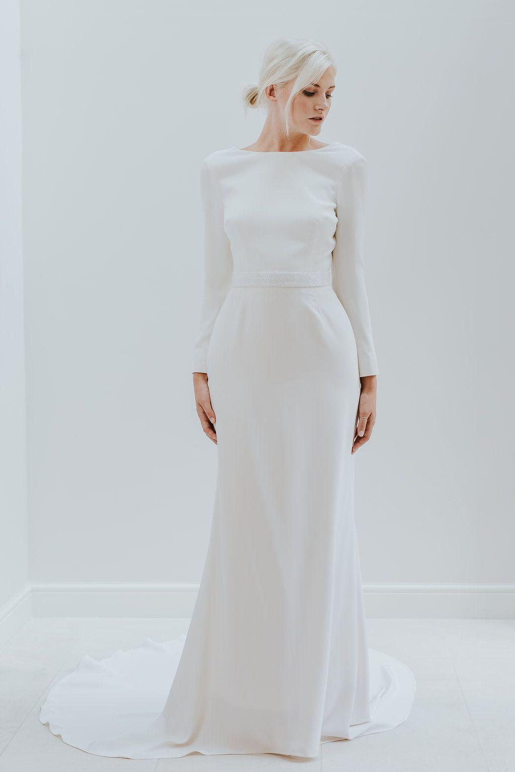 Designer Trouwjurk.Minimalist Elegance Met Charlotte Simpson Bridal Trouwjurk Modern