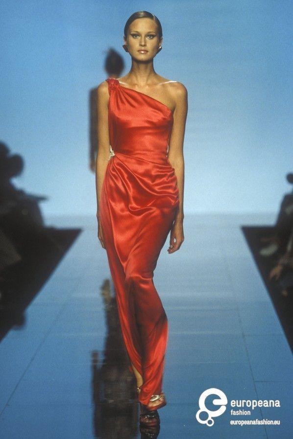 Valentino, Autumn-Winter 2000, Couture on www.europeanafashion.eu