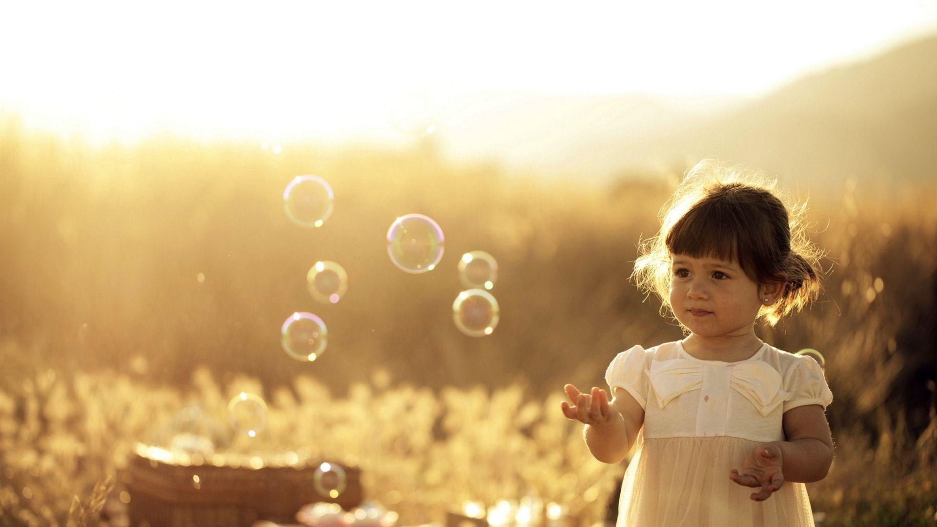 1920x1080 Wallpaper girl, summer, light, bubbles