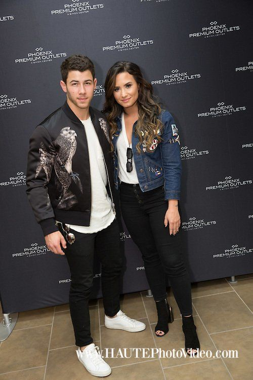 Demi Lovato News On Twitter Demi Lovato Demi Lovato Nick Jonas Lovato