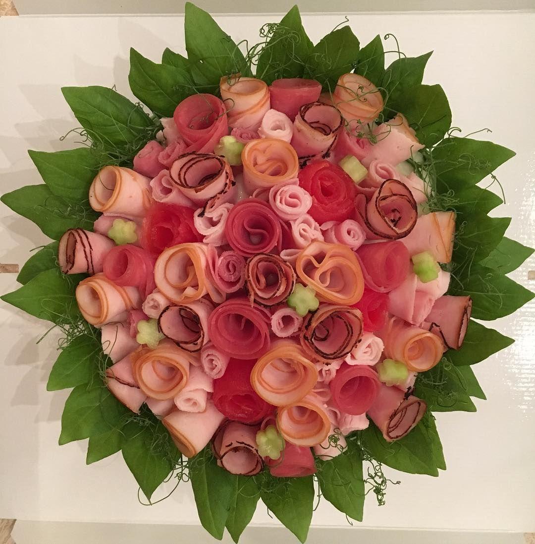 Ruusuinen voileipäkakku   #sandwichcake  #ham