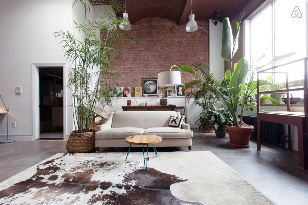 Check out this awesome listing on Airbnb Giant Sunny East - fresh blueprint furniture rental