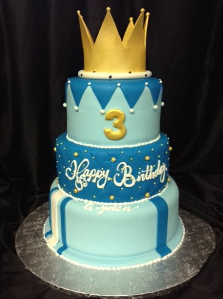 kings crown cakes king for a day cakes Pinterest Crown
