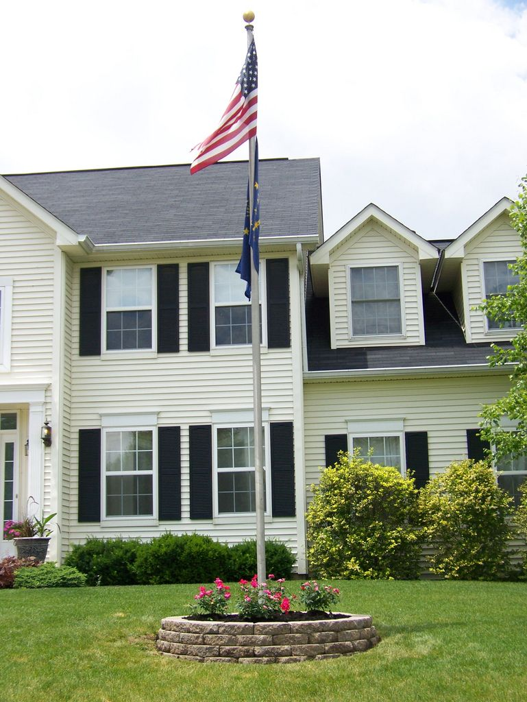 New Planter And Flag Pole Farmhouse Landscaping