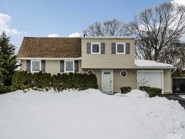 1 Robin Rd Selden Ny 11784 For Sale Mls 2646553 Property Search Real Estate Property