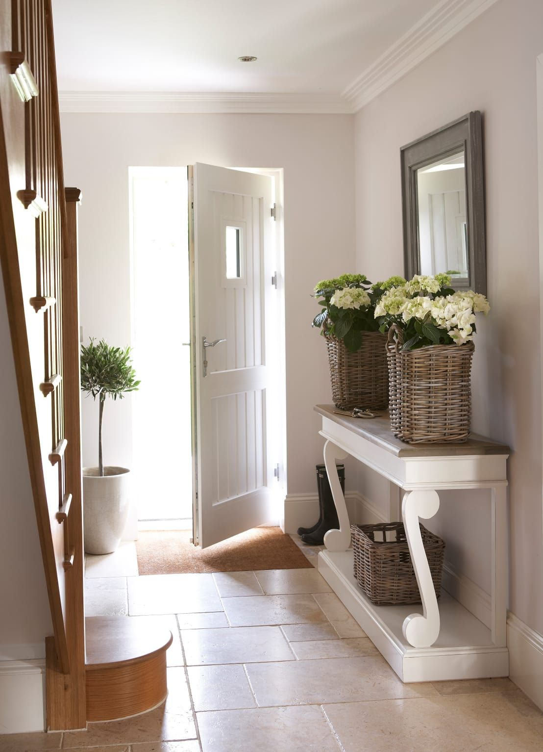 25 Beautiful Homes Magazine Glass Staircase Hallway Decorating Hallway Designs