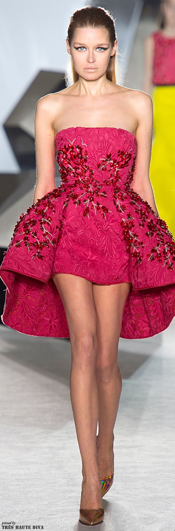list-19-beauty-giambattista-valli-dresses-top-famous-fashion ...