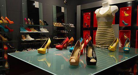 Schoenenwinkel Kinderschoenen.Richard Shoes Is Een Schoenenwinkel Met Een Zorgvuldig Gekozen