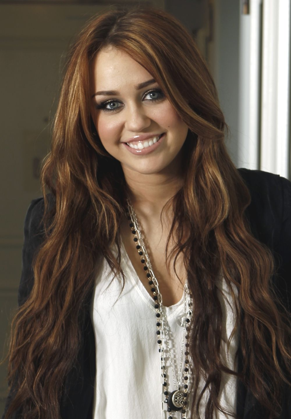Blessed Are The A List We Want Her Hair Prom Styleslong Stylescelebrities Hairpretty Hairstylesmiley Cyrus