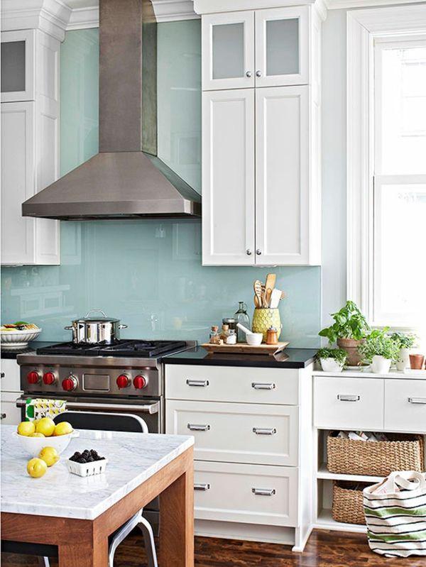 küchenspiegel in hell blau und weiße küchenschränke - 41 - küchenspiegel aus holz