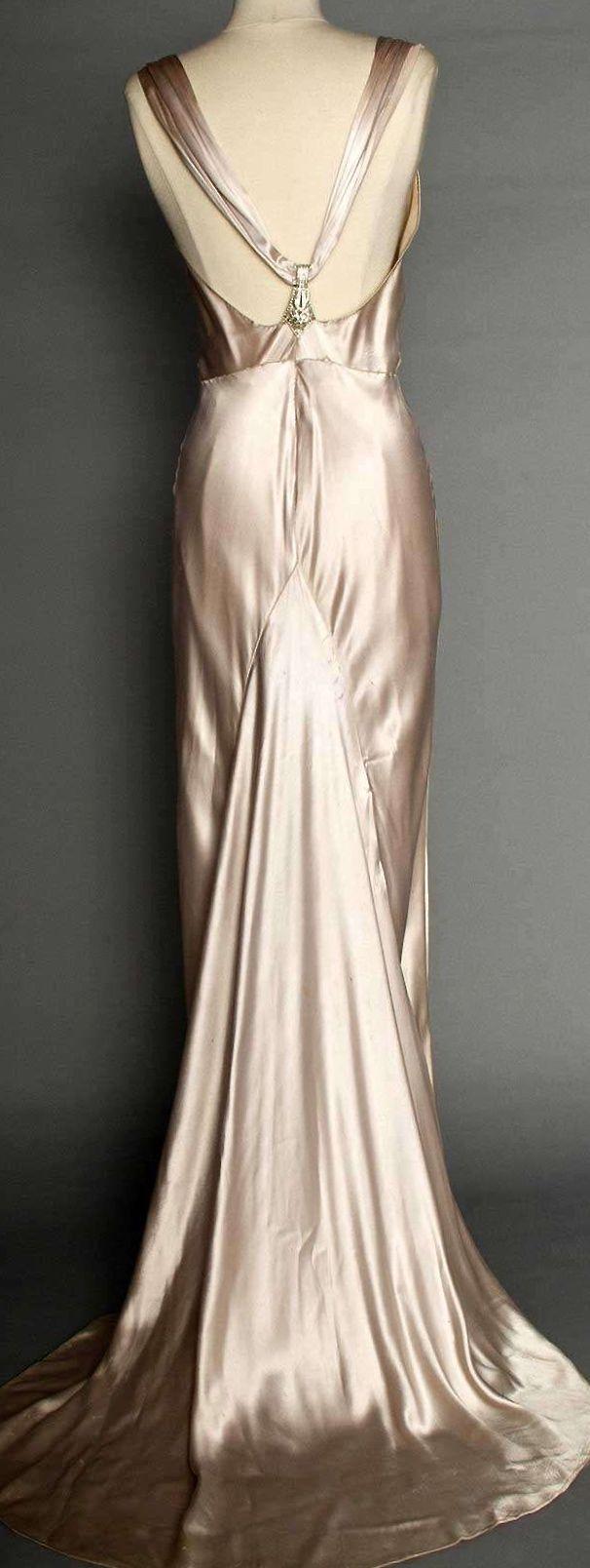 Abiti Eleganti Stile Anni 30.Satin Evening Gown C 1933 Anni 30 40 Vestaglie Vintage Stile