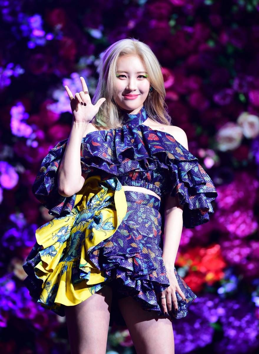 190827 Sunmi Lalalay Comeback Showcase Kpop Girls Girl Kpop Outfits