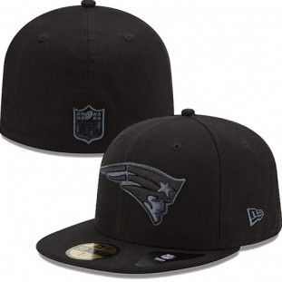 b04d3c4ec33 New England Patriots New Era NFL Black On Black Fitted 59Fifty Hat (Black)