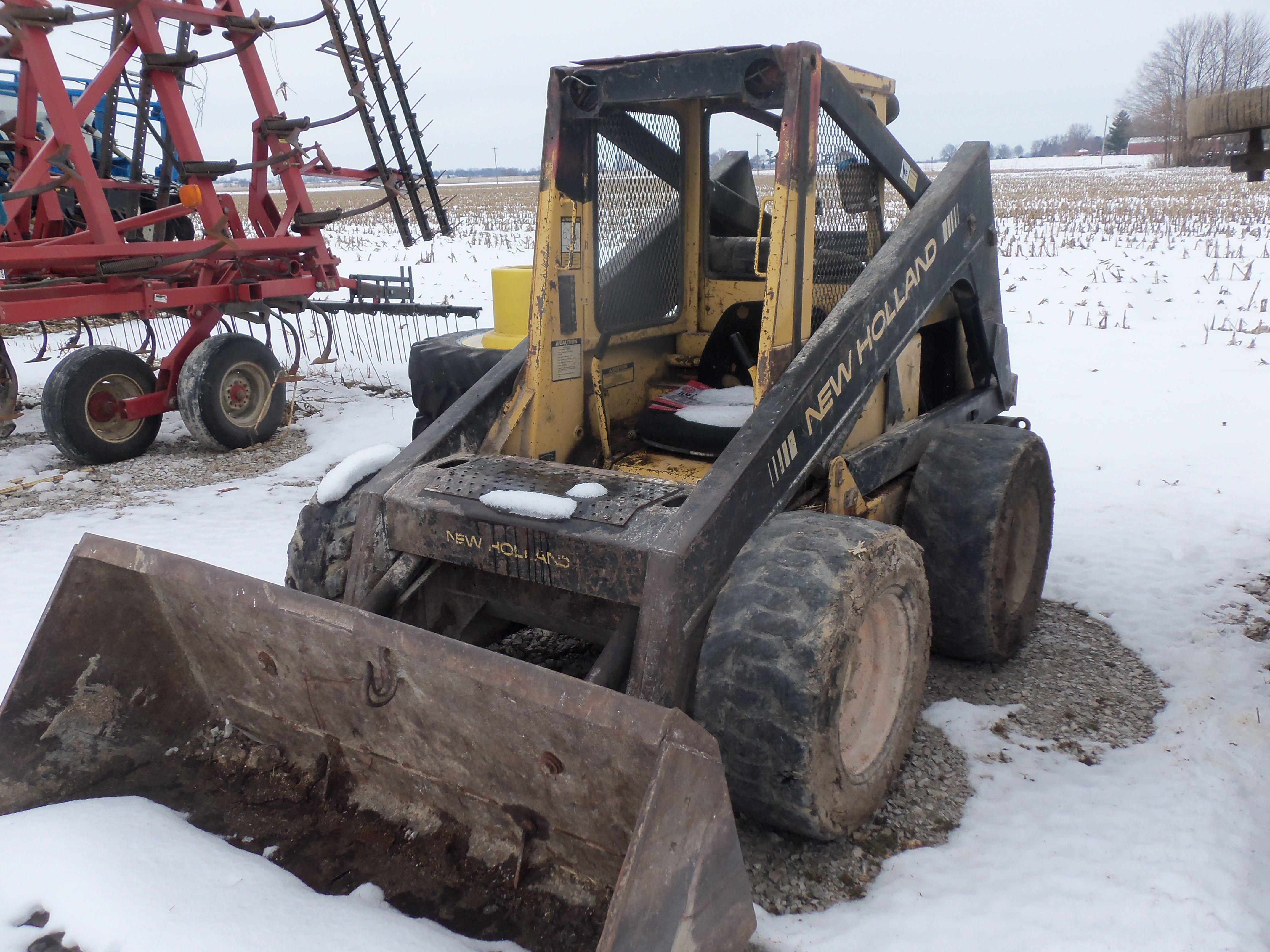 Old New HOlland L Series skid steer loader