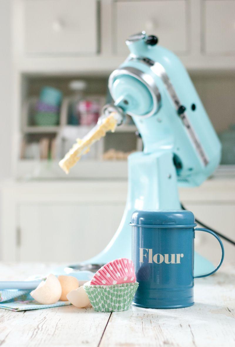 Minty house kitchen kitchenaid mint enamel pastels for Housse kitchenaid