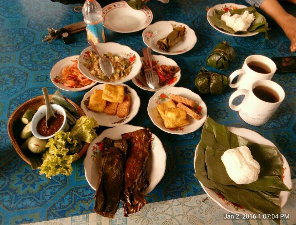 Tempat Makan Di Kab Karawang Kulinernusantara Wisatakuliner