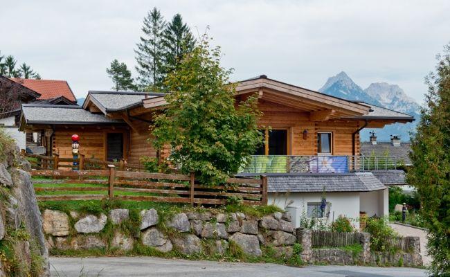 Das Haus Alpenland Ist Ein Hanghaus Im Bungalow Stil