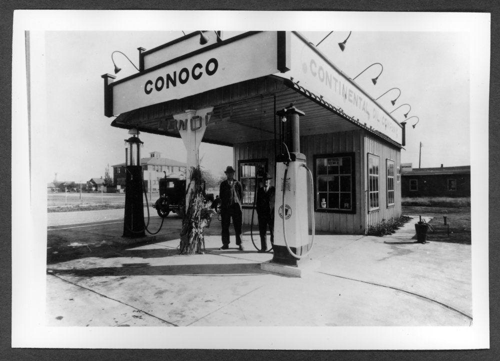 Scenes of Sherman County, Kansas Conoco Station at 14th
