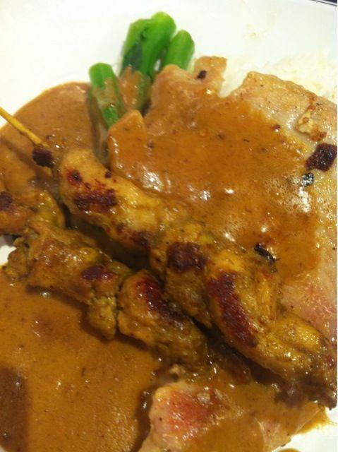 レシピとお料理がひらめくSnapDish - 5件のもぐもぐ - satay pork&chicken lunch by じょじょ