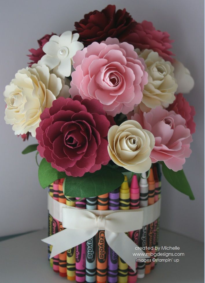 handmade paper roses in a blossom bouquet ... lovely photo tutorial ...