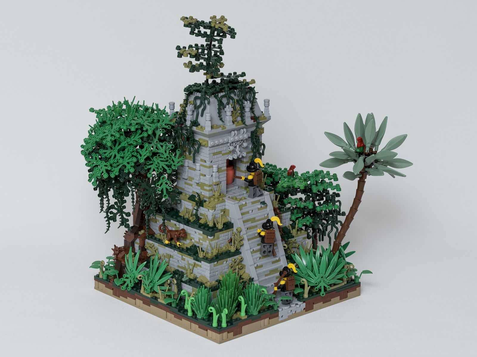 Lego Jungle Ruins Clearing Camp NEW!!!