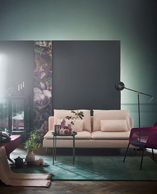 IKEA arreda il soggiorno grigioverde con tappeto e tavolino vassoio ...