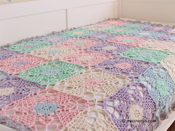 DIY Crochet square mesh afghan: FREE blanket PATTERN AND INSTRUCTIONS Visit the post for more.