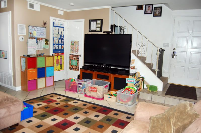 Home daycare pictures set up.