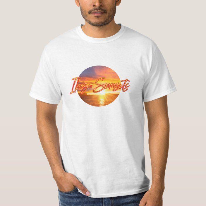 Camiseta de Ibiza con una puesta de sol y texto  