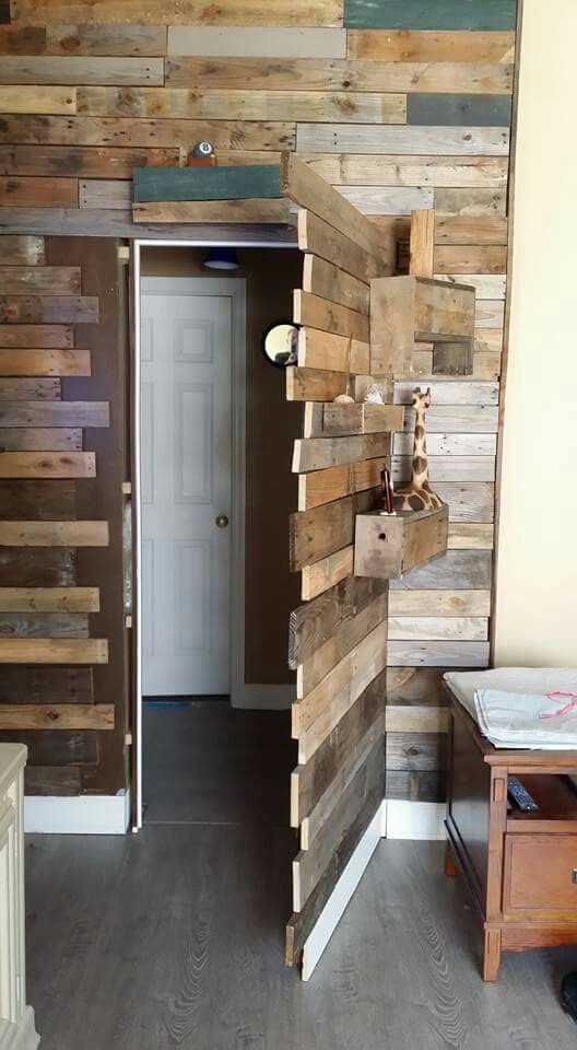 Cool idea. ..pallets (With images) Secret rooms, Hidden