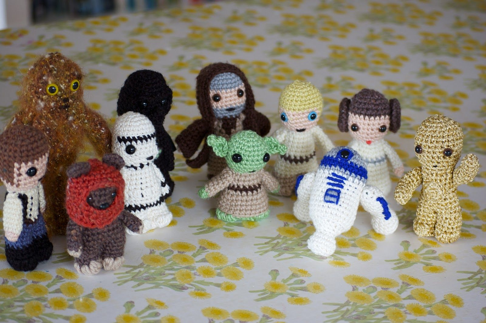 Greedy For Colour: Crochet Star Wars.... That's Right!!!