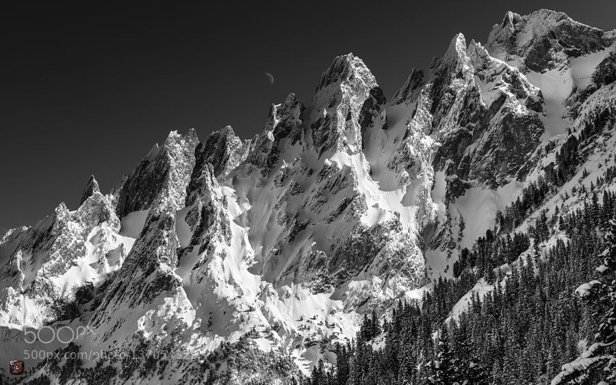 Winter: Engelhörner (up to 2855 m.ü.M.) warmed-up by the Sun and kissed by the Moon ... by SwissFiveNine