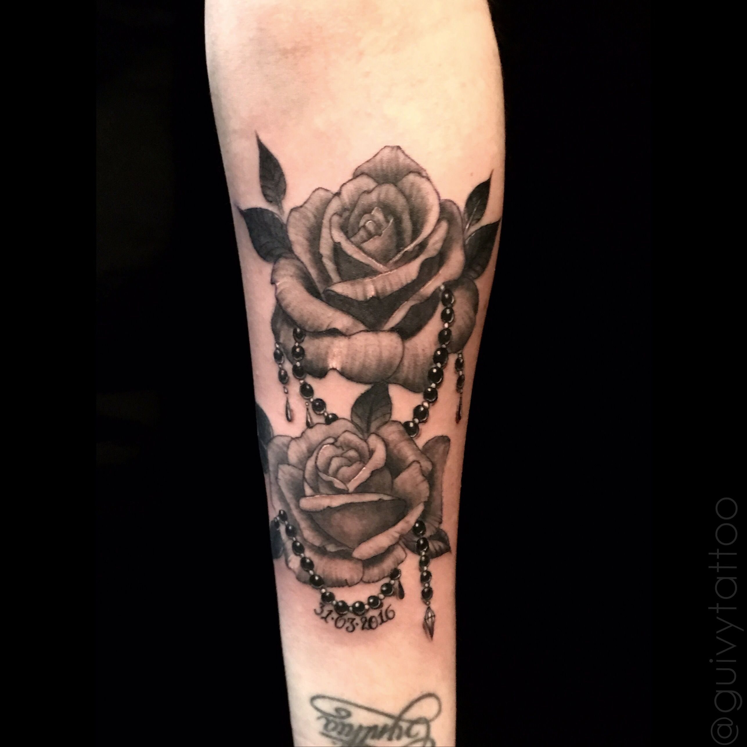tattoo by guivy art for sinners tattoo geneva switzerland roses rose tattoo. Black Bedroom Furniture Sets. Home Design Ideas