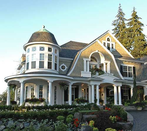 love all these different roof lines and columns. Gorgeous Gorgeous