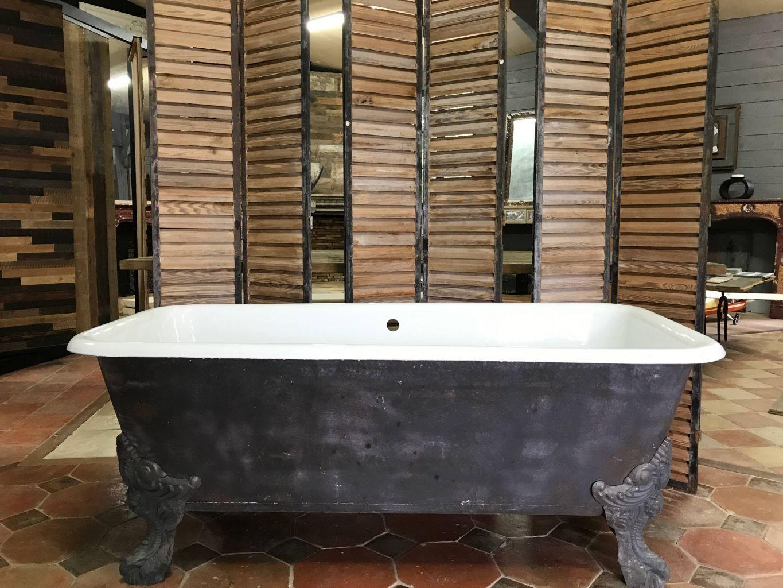 Comment Nettoyer Une Baignoire En Fonte Émaillée baignoire sur pieds en fonte émaillée   baignoire ancienne