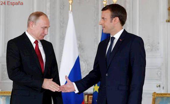 Macron se pone el traje de tipo duro
